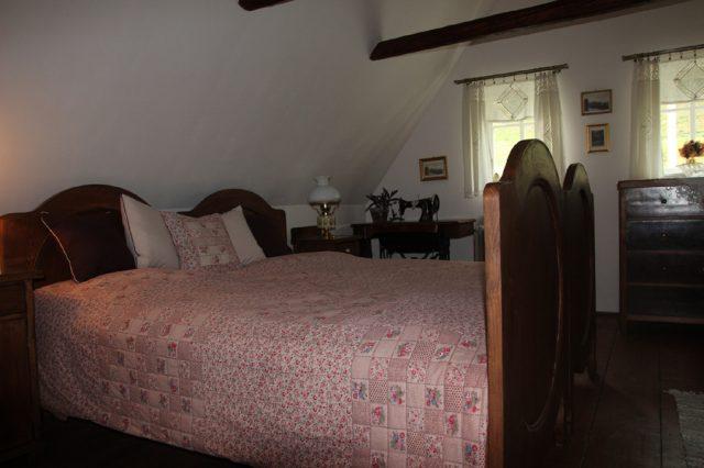 Large bedroom – attic