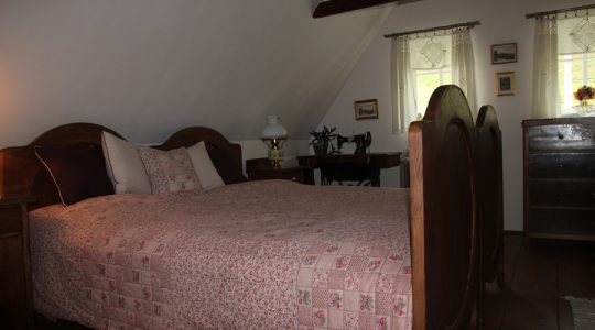 Large bedroom – attic